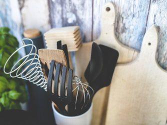 ociekacz na sztućce w kuchni